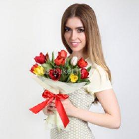 Весенние букеты на 8 марта в Санкт-Петербурге